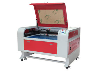 चीन Acrylic And Leather Co2 Laser Cutting Engraving Machine , Size 600 * 900mm फैक्टरी