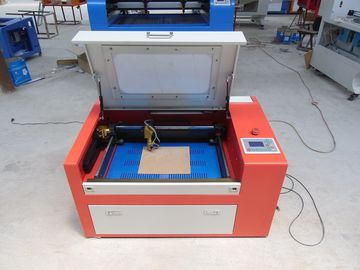 चीन 45w Co2 Laser Cutting Engraving Machine For Art Work Industry , Laser Cut Acrylic Jewelry फैक्टरी